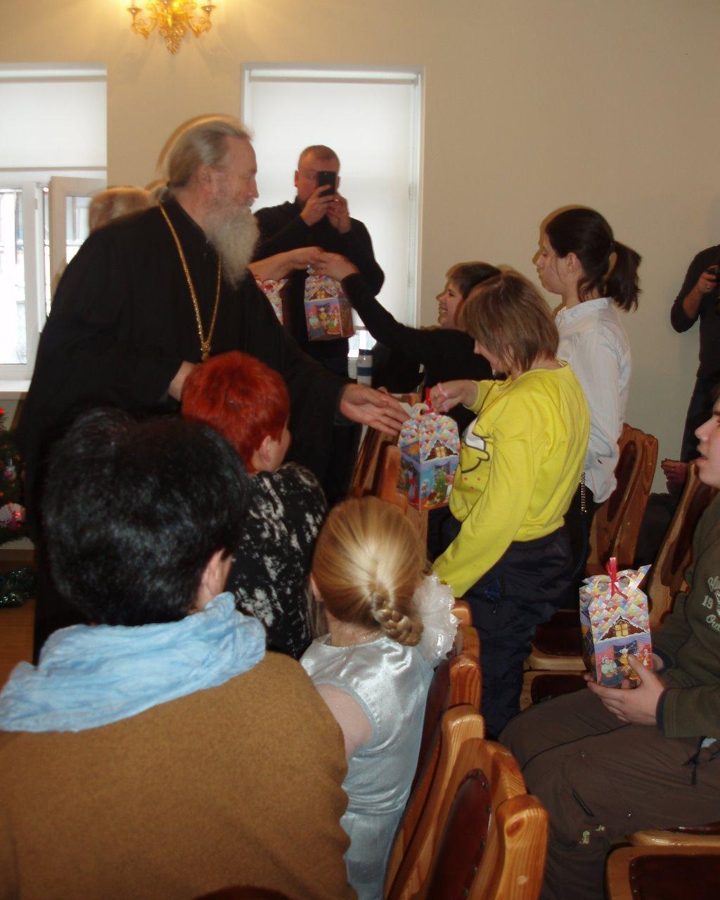 В Воскресной школе храма Живоначальной Троицы в Конькове состоялся Рождественский праздник
