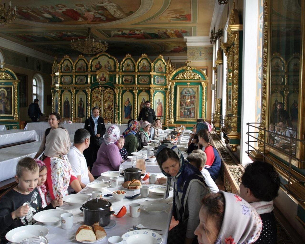 Начало учебного года в воскресной школе храма св.прмц. вел. кн. Елизаветы в Щербинке